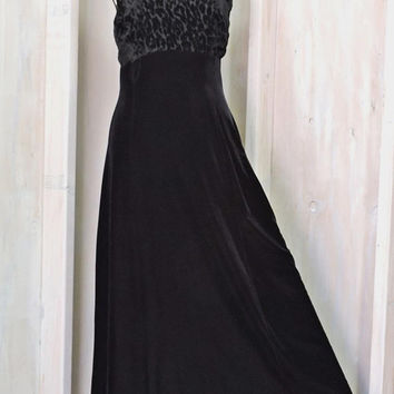 Black evening dress /  M / L size 12 / 14  / black velvet and lace / vintage 80s long formal dress / sexy cocktail party dress