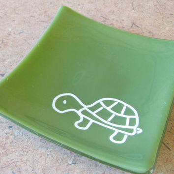 Thomas the Turtle Glass Jewelry Plate Soap Dish Candle Plate by mysassyglass