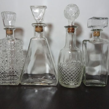 Vintage Clear Glass Liquor Or Wine Decanters Set Of 4   Mid Century Modern  Barware