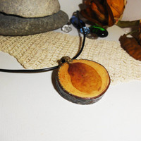 Wood necklace, Pine wood and leaf pendant, Pine tree pendant, 100% natural pine tree, Natural ornament, Gift for all, Unique gift, OOAK gift