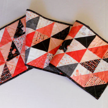 Modern Valentine Quilted Table Runner in Lipstick Red Black White