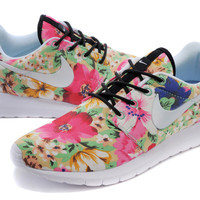 Nike Roshe Run (Floral Garden Print Leaves White)