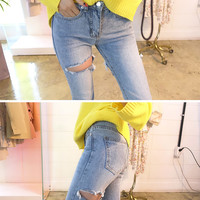 Back Tear Cropped Jeans