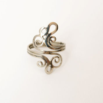 German silver ring for women ocean wave bypass, oceanology assistant gift for graduation at university, swirl ring for best friend forever