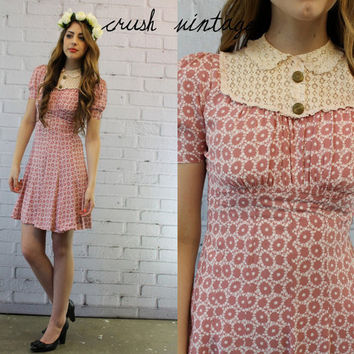 1940s Vintage Dress XS /  40s Floral and Lace Dress /  The Sweet Summer Afternoon Frock