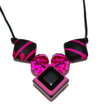 Hot Pink and Black Bold Beaded Necklace ooak by chumaka on Etsy