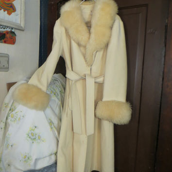 Vintage womens princess style wool coat with large faux fur collar and cuffs