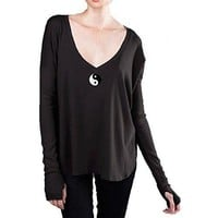 Yoga Clothing for You Yin Yang Patch V-Neck Shirt with Thumb Holes