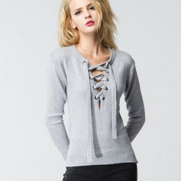 The new fall and winter clothes female fashion V-neck long-sleeved gray sweater pure lace sweater