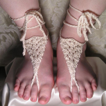 Knitted Barefoot Sandals in Off-White