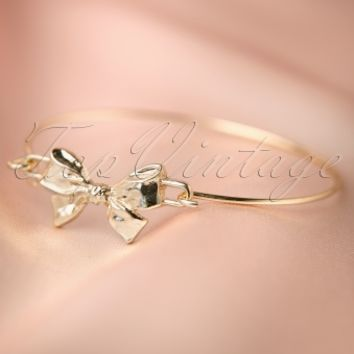 From Paris with Love! - 60s Shiny Gold Bow Bangle Bracelet