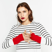 SWEATER WITH CONTRASTING CUFFSDETAILS
