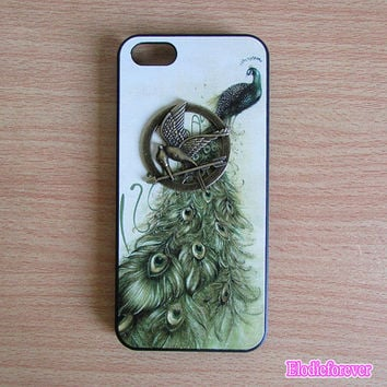 Peacock iPhone 5 case,Peacock iPhone case,  Black iPhone cover,Cute iPhone cover, Designer iPhone case, Hard Plastic iphone case,D002