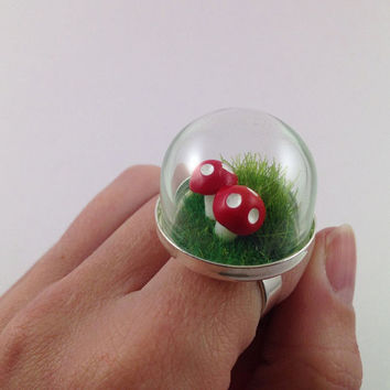 Terrarium Mushroom Ring, Mushroom jewellery, ring with Glass Dome
