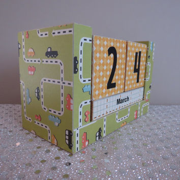 Perpetual Wooden Block Calendar - Race Cars on the Street