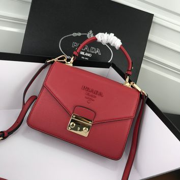 HCXX 19June 751 Prada Double Interlayer Classic Logo Renovate Fashion Handabag 24-18-8 red