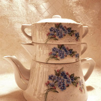 Teapot Stackable Trio Teapot Creamer Sugar Bowl With Lid Beautiful Blue Violet Floral And Gold Trim Design SAJI Fancy China Hallmarked