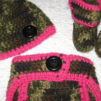 Little Girls Hunter Camo and Pink Baby Diaper Cover with black or brown buttons Hat and Booties Set- Baby Shower Gift,