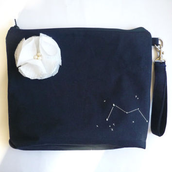 Wristlet bridesmaid clutch, Custom bridesmaid clutch wedding clutch set of 3 4 5 6 with navy cotton linen, constellation embroidery