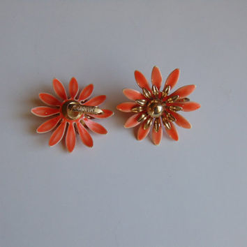 Sarah Coventry vintage jewelry daisy peach flower clip-on earrings