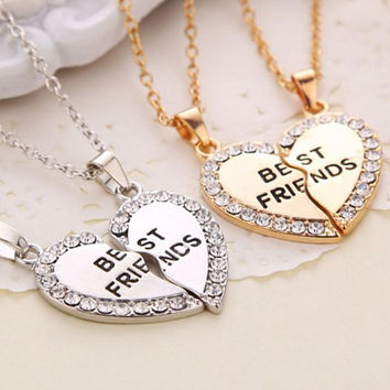 N2022 Charming Matching Heart-shaped Pendant Necklace Best Friend a Letter Women Gifts 2 Color to Choose Jewelry One Direction