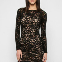 Lace Bodycon Dress in Black :: tobi