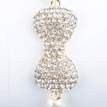 Bow Bracelet w/ Pearls from ohsosessy