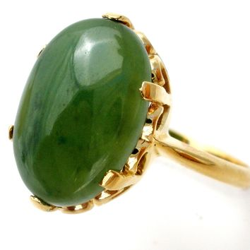 18K Gold Green Jade Ring Size 7 Vintage