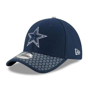 Dallas Cowboys New Era 39THIRTY 2017 NFL Sideline On Field Cap Flex Hat Stretch