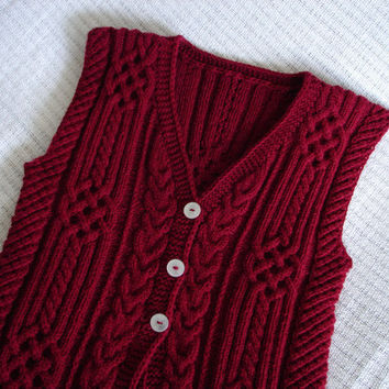 Hand knitted vest with cables  women  MADE TO by ferbyscorner