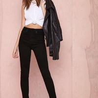 Nasty Gal Denim – The Kink Skinny in Sabbath Black