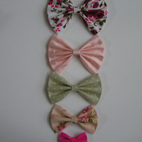 Different sizes of bows offered by Clip a Bow Boutique,Large bows, big bows, aligator clips, barrette clips, Hair clip sizes