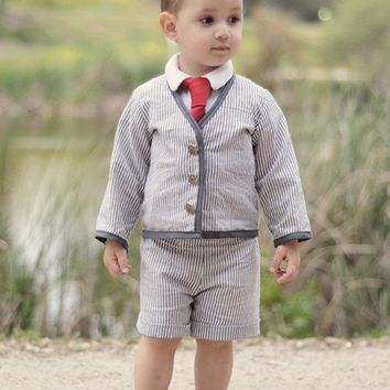 Boys Ring Bearer Gray Searsucker Suit by beaneandco on Etsy