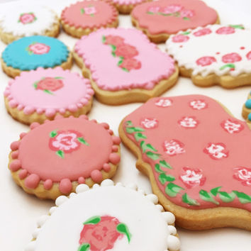 Elegant roses flower sugar cookies.