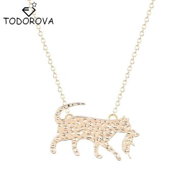 Todorova New Cute Cat Holding Her Baby Animal Pendant Cat Mother's Love Necklace Bridesmaid Girls Gift Accessories for Women
