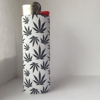 Black & White Pot Leaf Patterned Full Size Lighter