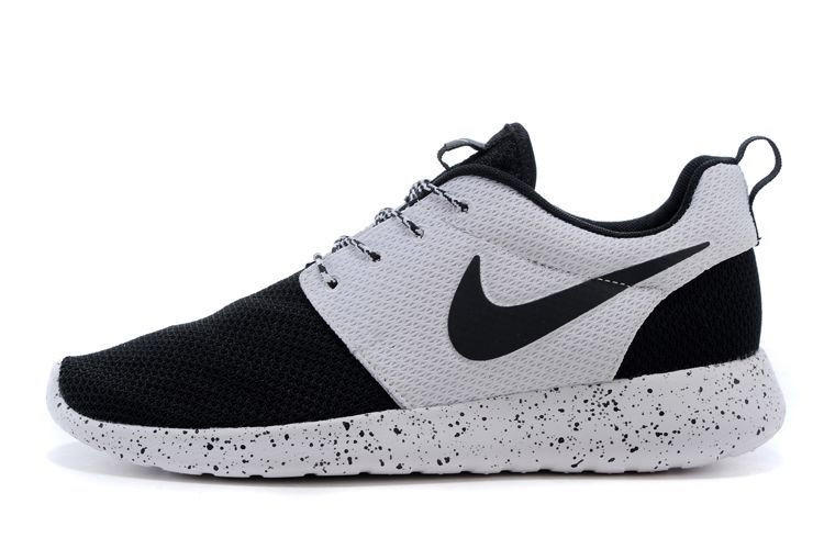 62381e8d813 n060 - Nike Roshe Run (Oreo Black White) from shopzaping.com