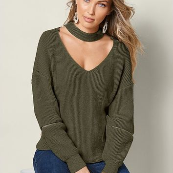 VENUS | Zipper Inset V-Neck Sweater in Olive