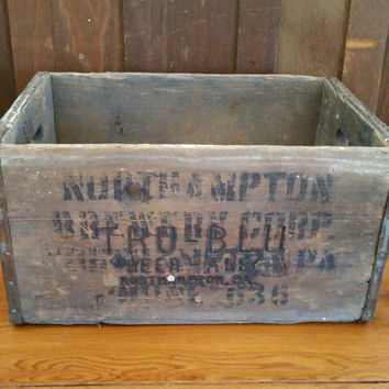 Vintage North Hampton Tru-Blu Beer Ale Wooden Crate With Metal Strapping Brewery