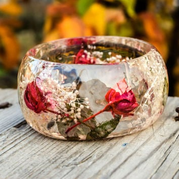 Resin Jewelry. Real Rose Bangle resin Bracelet. Real flower bangle. Botanical bracelet. Bohemian bracelet. L size bracelet. Dried flowers