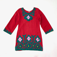 Vintage 1970s red cotton tunic with colourful, ethnic, hand stitched appliqué / Made in India