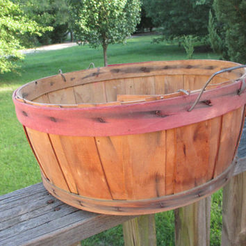 Vintage Primitive 1/2 Bushel Basket--Harvest Gathering Basket--Old Farm Collectible--Fall Wedding Decor--Split Wood Basket