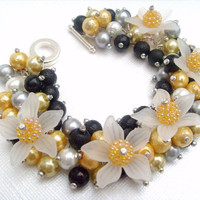 Pearl Beaded Bracelet With Flowers  Sunshine  by KIMMSMITH on Etsy