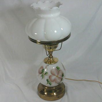 Vintage Underwriters Laboratories Inc. Table Lamp/Floral Milk Gl
