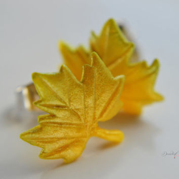Maple leaf earrings-Fall themed jewelry-Thanksgiving