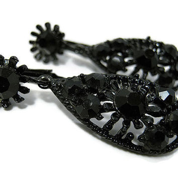 Black Enameled Vintage Rhinestone Earrings Flower Clip on Dangle Drop Womens Goth Retro Bling Floral Jewelry