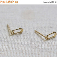 BLACK FRIDAY SALE 10K Gold tiny Safety Pin earrings, solid Gold, 10k real Gold - Tg038