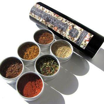 gourmet rubs kit. small gourmet BBQ blends kit for chicken and pork. fire up the grill.