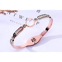Free shipping-BVLGARI new simple fashion ladies bracelet Rose gold