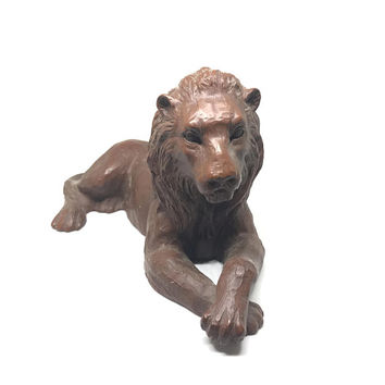 Vintage Lion Figurine |  Large Red Mill Mfg Lion Figurine |  King of the Jungle Statue |  Made with Pecan Nut Shells |  USA gift